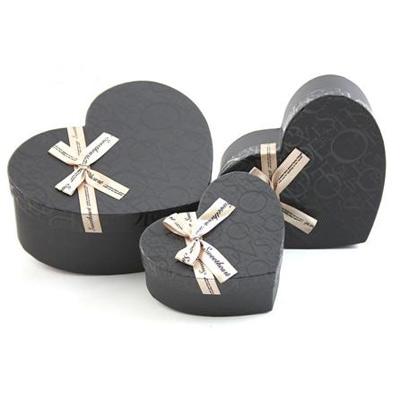 Коробка — сердце 3 в 1, черная, с буквами и бантом