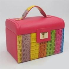 Разноцветна шкатулка, размер 23,5х16,5х17см
