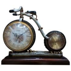 Часы в виде велосипеда