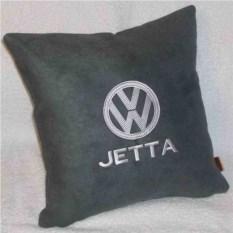 Темно-серая подушка с белой вышивкой Volkswagen Jetta