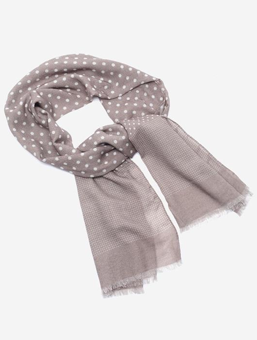 Бежевый шарф в белый горох