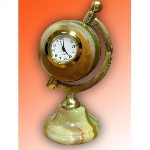 Настольные часы из оникса Глобус