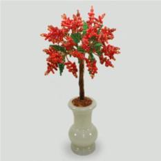 Чудо дерево из красного коралла в вазочке из оникса