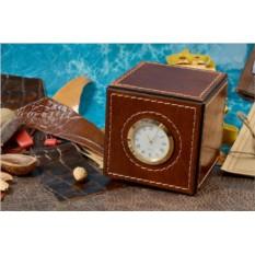 Настольные часы Куб из кожи