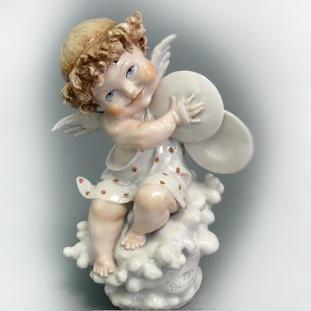 Фигурка фарфоровая «Ангелочек»