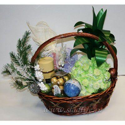 Букет из конфет Корзина с ананасом №2