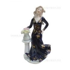 Фарфоровая фигурка Девушка (28 см)