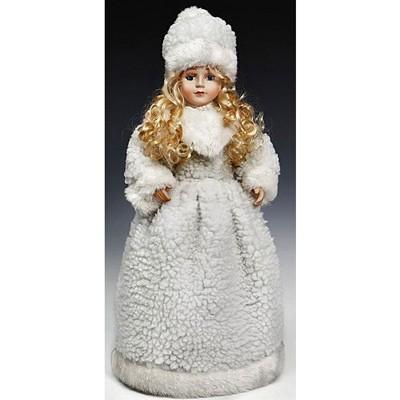 Снегурочка в белой шубе и шапке