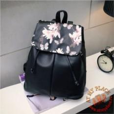 Черный рюкзак Камелии