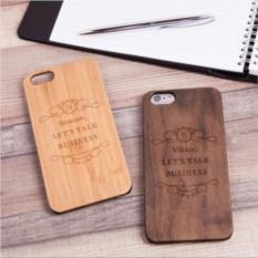 Деревянный чехол для iPhone «Деловой разговор» с гравировкой