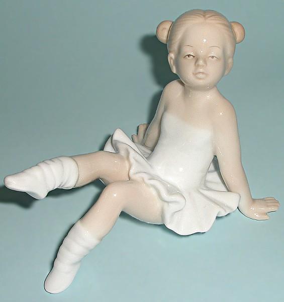 Статуэтка балерины Маленький лебедь