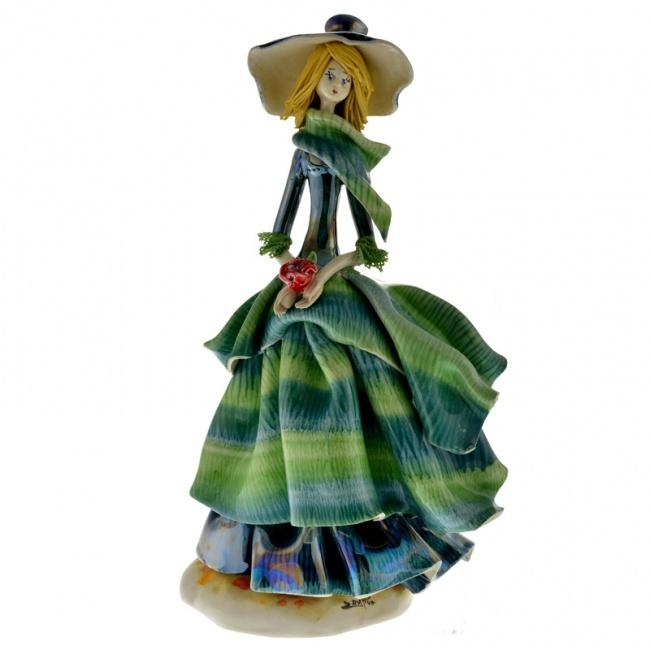 Фарфоровая статуэтка !Дама в зеленом платье с розой