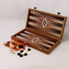 Коричневые нарды в деревянном кейсе