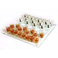 Пьяные шахматы с рюмками