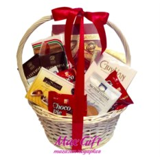 Подарочная корзина Мир сладостей