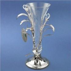 Посеребренная ваза с кристаллами