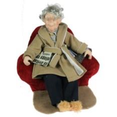 Фарфоровая кукла Дедушка в кресле