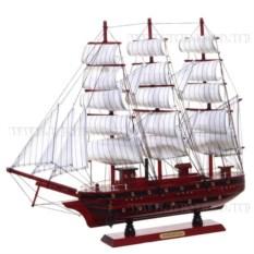 Модель корабля из дерева с белыми парусами, длина 50см