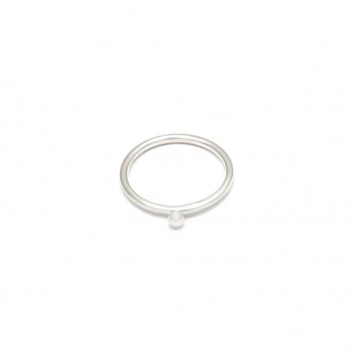 Серебряное кольцо с мини-жемчужиной