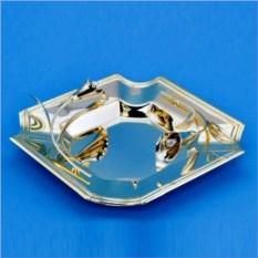 Квадратная тарелка с каллами