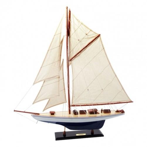 Модель Яхты Defender