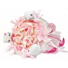 Небольшой букет из конфет Raffaello и кошечек Hello Kitty