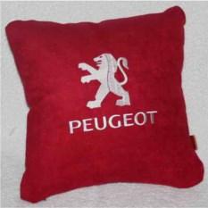 Красная подушка с белой вышивкой Peugeot