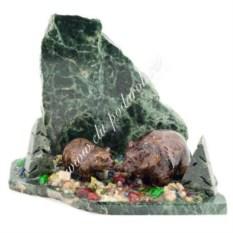 Сувенир из змеевика Медведица с медвежонком