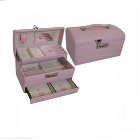 Шкатулка для украшений розового цвета