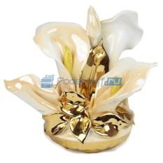Цветы из фарфора Каллы в корзине