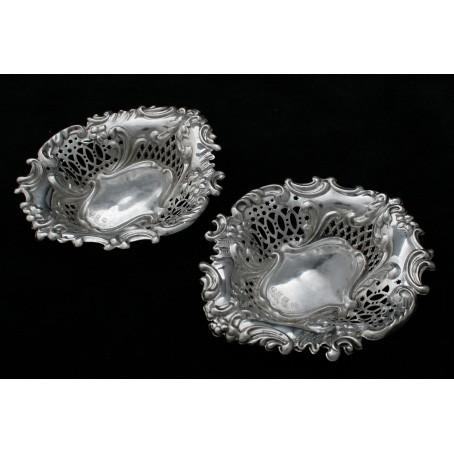 Серебряные парные блюдца для закусок