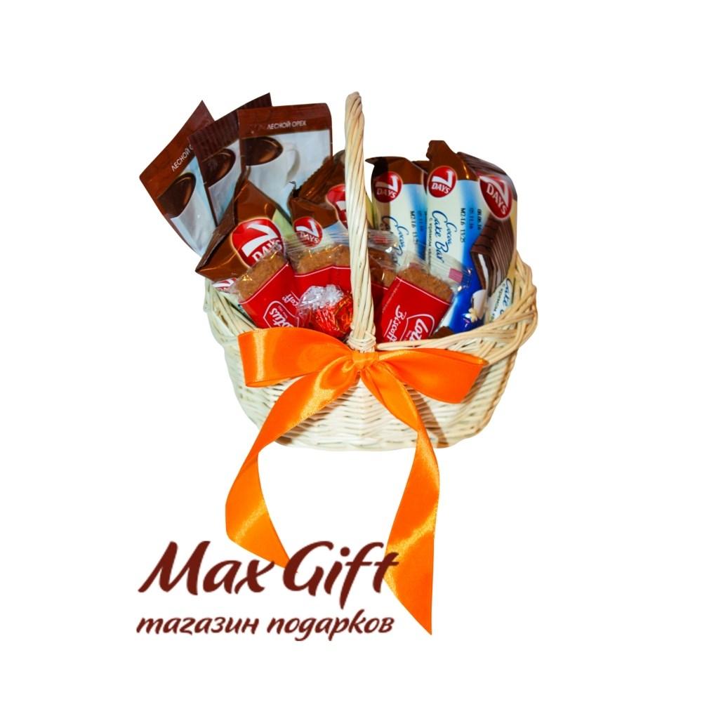 Корзина подарков для девушки 49