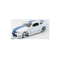 Модель автомобиля Mustang GT