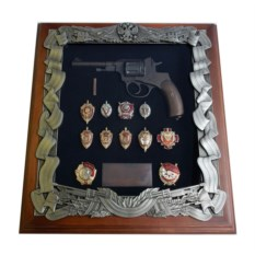 Панно с символикой ФСБ Наган