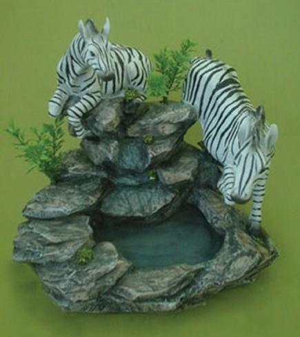Декоративный фонтан Животные: зебры