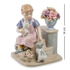 Статуэтка Девочка с котятами (Pavone)
