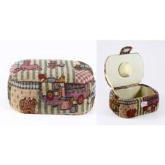 Разноцветная шкатулка для рукоделия Сундучок
