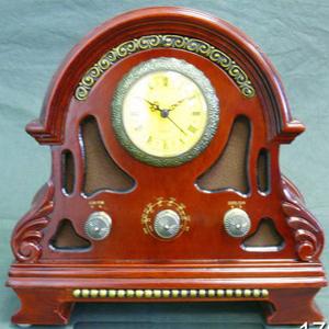 Часы настольные с радио