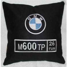 Черная подушка BMW с номером