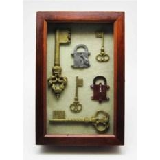 Ключница-коллаж Старинные ключи (большая)