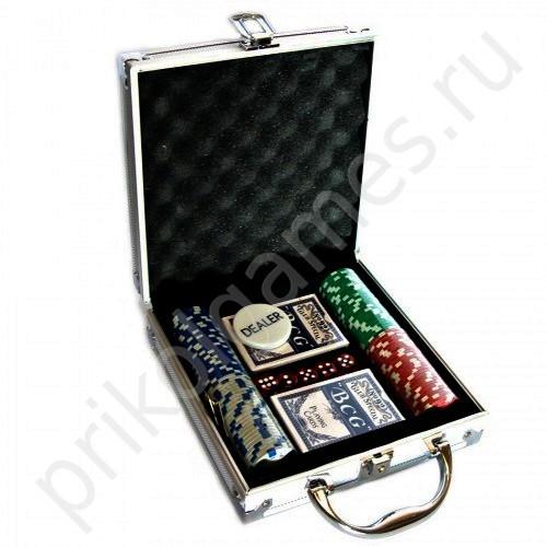 Набор для покера на 100 фишек, в металлическом кейсе.