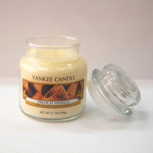 Свеча в стакане с ароматом «Французской ванили»