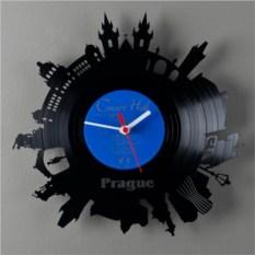 Часы из виниловой пластинки  Прага