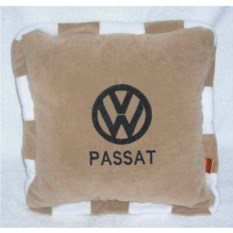 Бежевая подушка с кантом Volkswagen