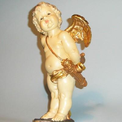 Статуэтка Влюбленный Купидон