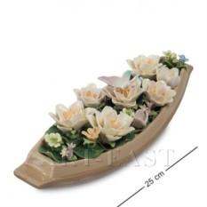 Фарфоровая композиция Лодка с цветами