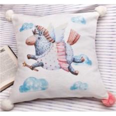Декоративная подушка Единорожка в облаках