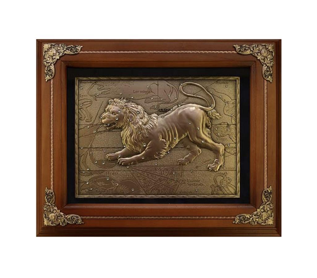 Деревянная ключница Лев