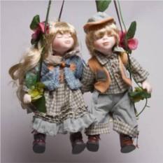 Фарфоровые парные куклы Шура и Нюра