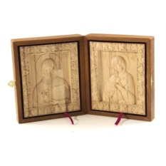 Складень с деревянными иконами